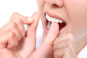 How to floss with dental floss